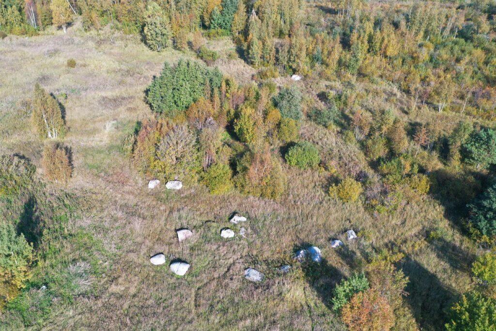 droonivaade - kivid maastikul